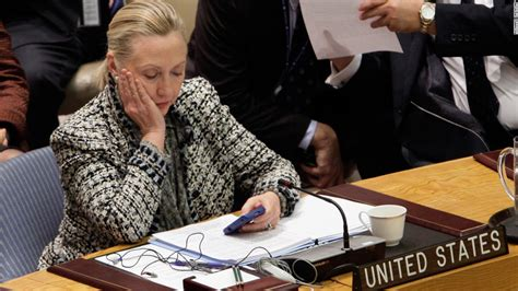 where does hillary clinton work employees at company working with clinton email server