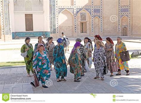 uzbek traditional clothing uzbekistan clothes tyubiteika samarkand editorial stock photo image of asia women