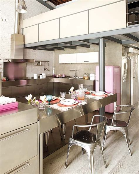 modern and vintage interior design in shades of pink