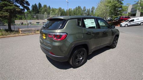green jeep 2017 2017 jeep compass sport olive green ht672606 redmond