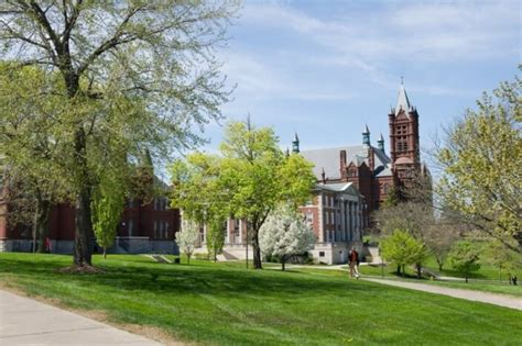 Syracuse Mba Tuition by 50 Best U S Colleges For Aspiring Entrepreneurs College
