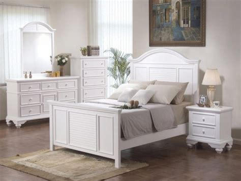 White King Size Bedroom Furniture by King Size White Bedroom Furniture Womenmisbehavin
