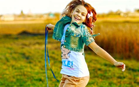 wallpaper girl happy very happy girl hd picture new hd wallpapernew hd wallpaper