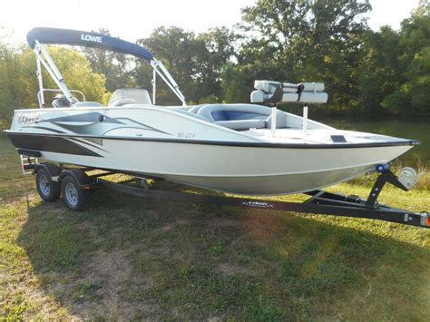lowe sd224 fishing deck boat lowe sd224 sport deck 2015 for sale for 37 995 boats