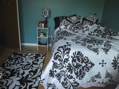 55 best images about kaitlyn s room ideas on damask curtains damask bedding and