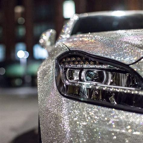 ladari di swarovski studentessa russa ricopre l auto di un milione di