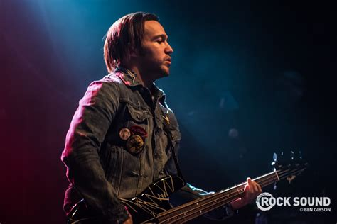 Pete Wentz Likes It In The Bathroom by Fall Out Boy S Pete Wentz Did A Q A In The Bath And We Are