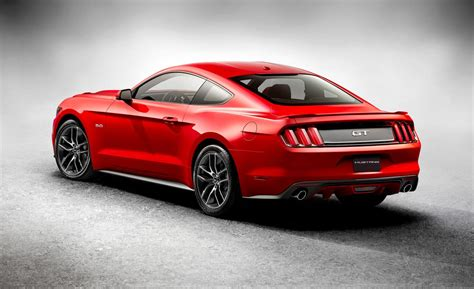 2015 mustang gt car and driver
