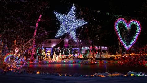 house with the mostxmas light in the world new york family regains most lights on a residential property world record guinness world records