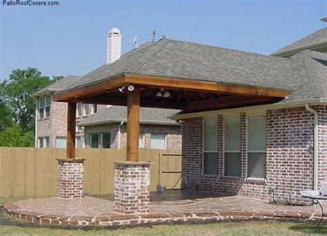 Building A Hip Roof Patio Cover Patio Roof Designs Patio Roof Design