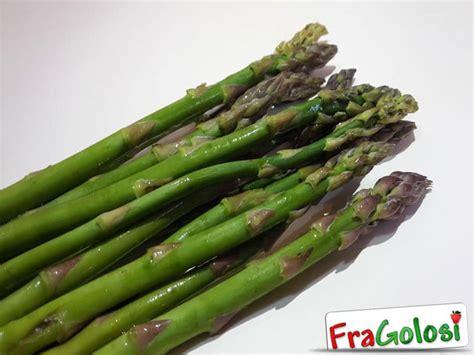 cucinare asparagi freschi asparagi freschi conservati ricetta di fragolosi it