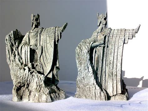 Be Right Back Bookends by Metal Argonath Bookends Lotr