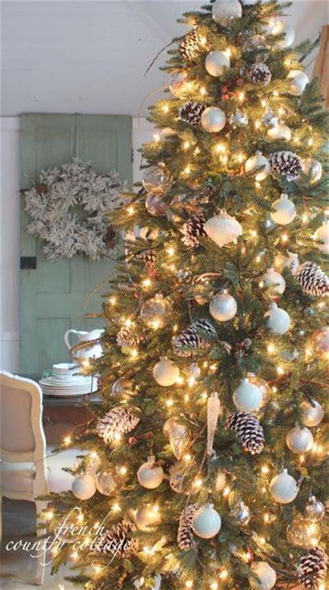 top 10 christmas tree theme ideas paperblog