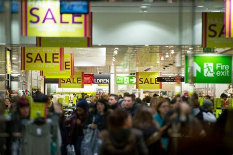 next sales boxing day sales thousands queue from dawn for next sales