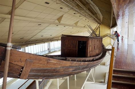 yacht giza solar boat khufu boat museum built in the shadow of the