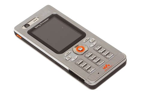 Shiny Review Sony Ericsson W880i by Sony Ericsson W880i User Reviews Mobile Phones 3g