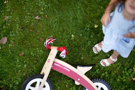 Radio Flyer Giveaway - how to create an idyllic childhood summer making nice in the midwest