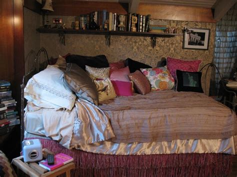 pretty little liars bedrooms 16 best images about aria s bedroom on pinterest damasks