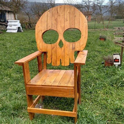 Diy Wood Chair by Diy Pallet Wood Reclaimed Chair 99 Pallets