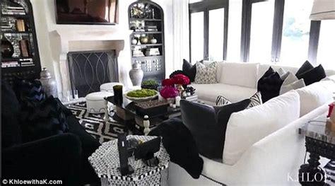 khloe kardashian shows   chic living room