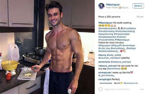 uomini cucinano gli uomini ai fornelli pi 249 foto 21 40 pourfemme