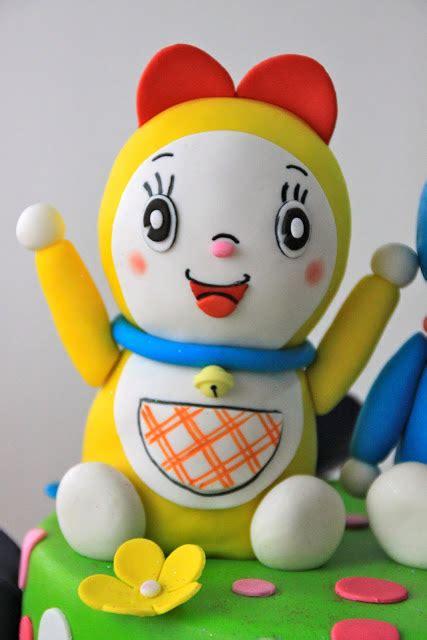 Doraemon Polka celebrate with cake doraemon and dorami cake