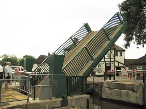 design engineer kent yalding bascule bridge 2005 hunton engineering