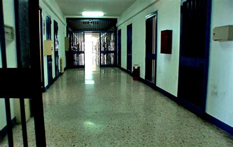 casa circondariale camerino la vita dietro le sbarre le donne carcere di