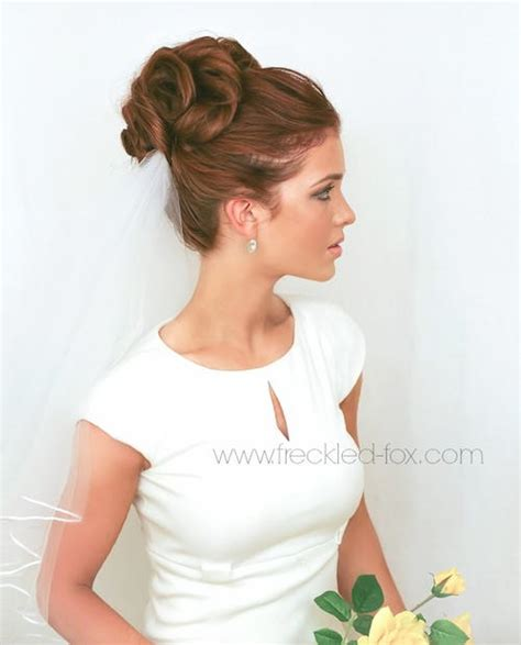wedding hair up buns classic bridal bun allfreediyweddings