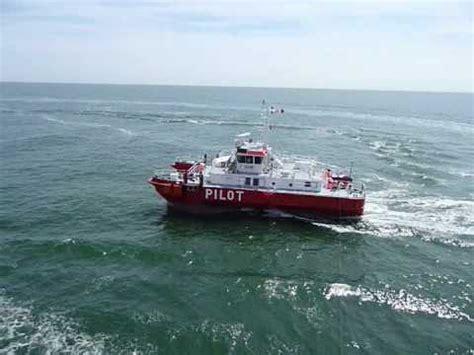 catamaran vs monohull in rough seas jakob prei mpg doovi