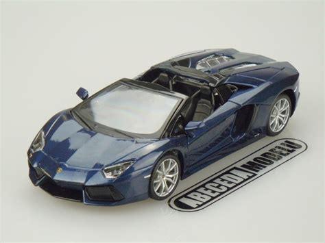 maisto lamborghini aventador lp700 4 roadster maisto 1 24 lamborghini aventador lp 700 4 roadster blue 31504