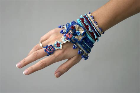 Gipsy crochet bracelet with ring connection