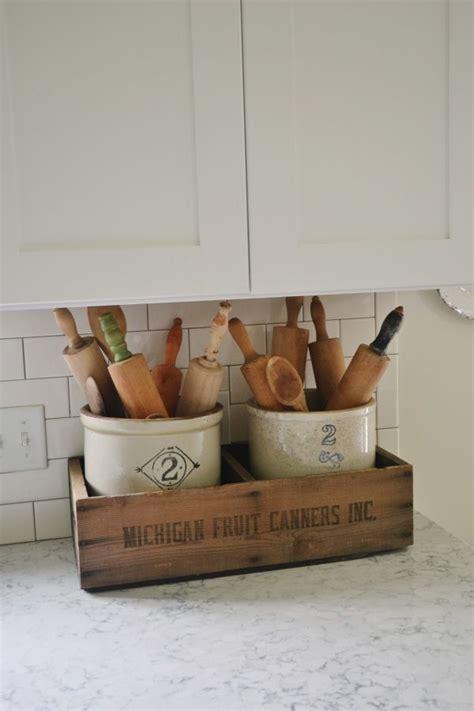 decorative ideas for kitchen best 25 antique kitchen decor ideas on