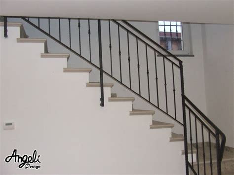 corrimano a muro per scale interne corrimano per scale interne a muro scala elicoidale