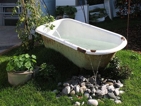 bathtub garden great way to recycle an old tub garden ideas pinterest