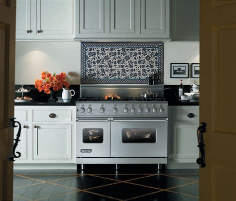 viking kitchen appliances viking kitchens traditional kitchen toronto by
