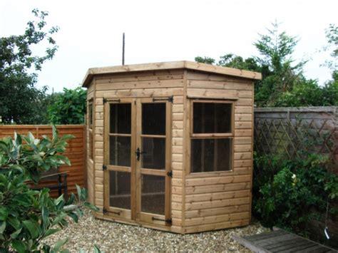 corner sheds and summerhouses
