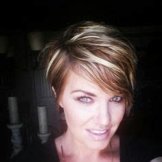 brown pixie with blonde highlights short pixie haircuts with blonde highlights google