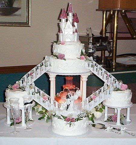 Wedding Cakes with Fountains   81362613 e32fdc810a