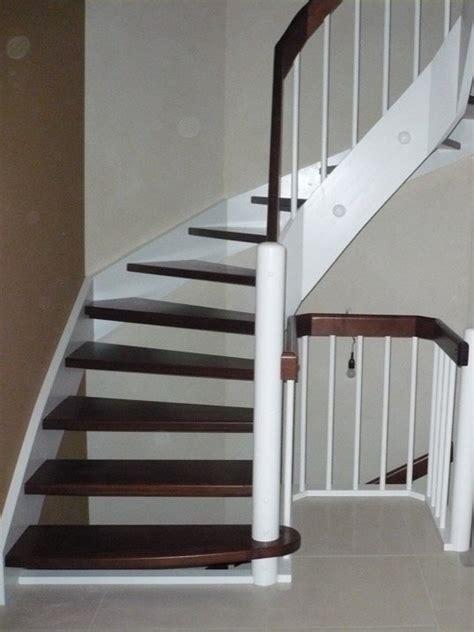 handläufe außen treppe mit dekor