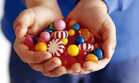 fsa calls  voluntary ban  artificial colourings