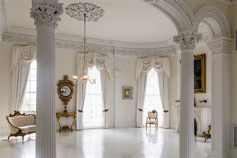 the white ballroom in the nottoway plantation mansion on tour dine or stay at nottoway plantation luxe beat magazine