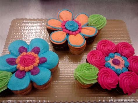 flower cupcake cake  pinterest pull  cupcakes pull  cake  monkey cupcake cake