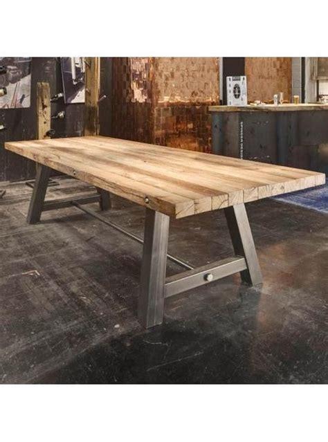 come costruire un tavolo in legno per esterno oltre 25 fantastiche idee su tavoli in legno rustico su