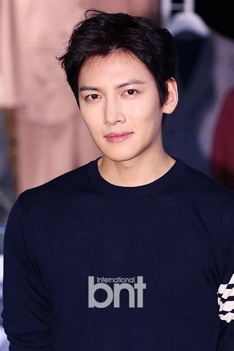 film drama korea ji chang wook ji chang wook offered lead role in tvn drama k2