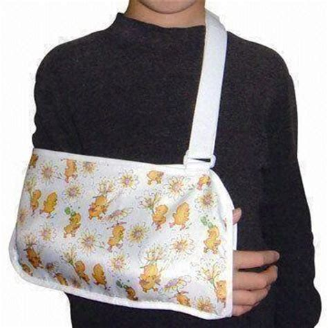 Arm Sling Comfort Alat Penyangga arm sling provides firm support and comfort reduces and swelling on global sources