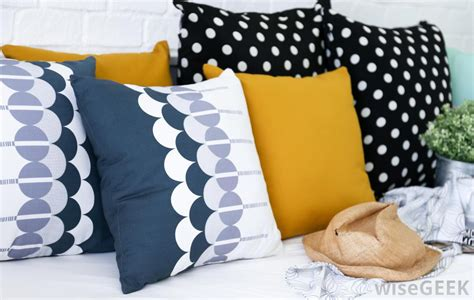 Different Pillows by What Are The Different Kinds Of Throw Pillows I Can Make