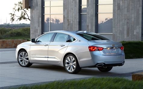 2014 chevrolet impala rear three quarter photo 12