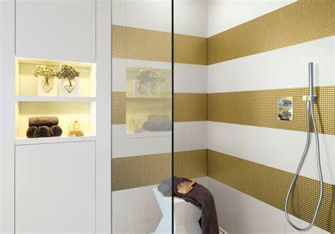 mosaico per bagni bagno con pavimenti e rivestimenti in mosaico 100 idee