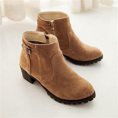 Promo Sepatu Dan Sandal Boot Zr03 Putih musim gugur dan musim dingin kasual martin sepatu keling nubuck kulit vintage fashion sepatu